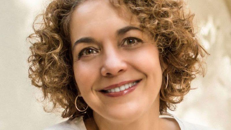 Ana Luisa Lacombe, 52 anos, atriz e contadora de histórias.